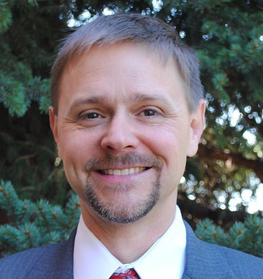 Daniel L Williams